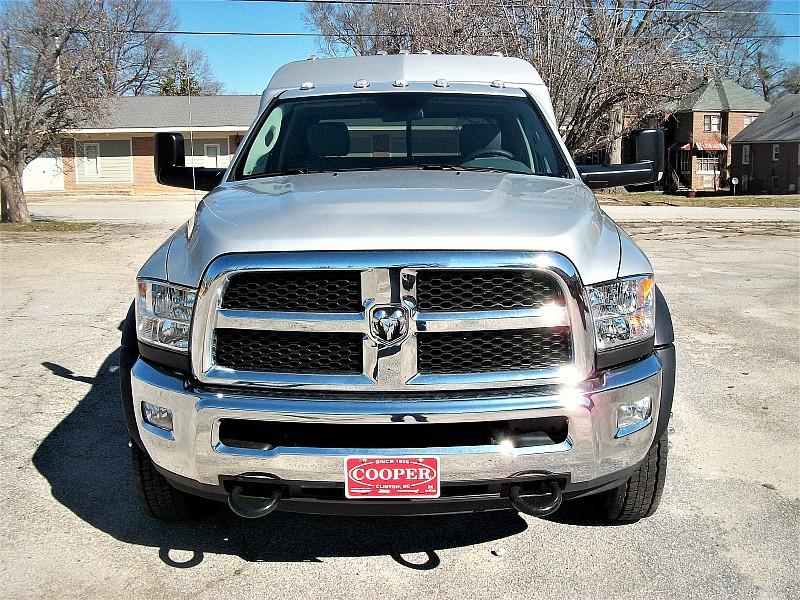 2017 Ram 5500 Regular Cab DRW 4x4, Hauler Body #547915 - photo 34