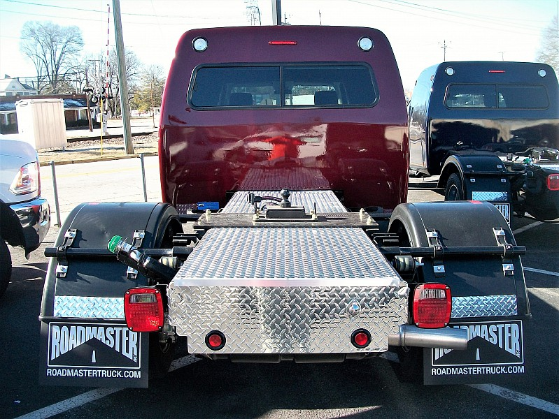 2017 Ram 5500 Regular Cab DRW 4x4, Hauler Body #547916 - photo 7