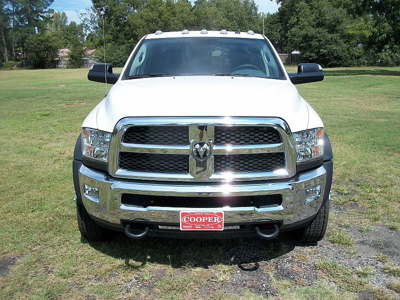 2017 Ram 4500 Crew Cab DRW 4x4, Platform Body #548104 - photo 35
