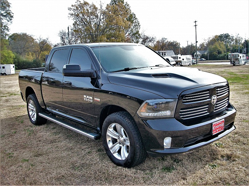 2015 Ram 1500 Crew Cab 4x4,  Pickup #557654 - photo 21