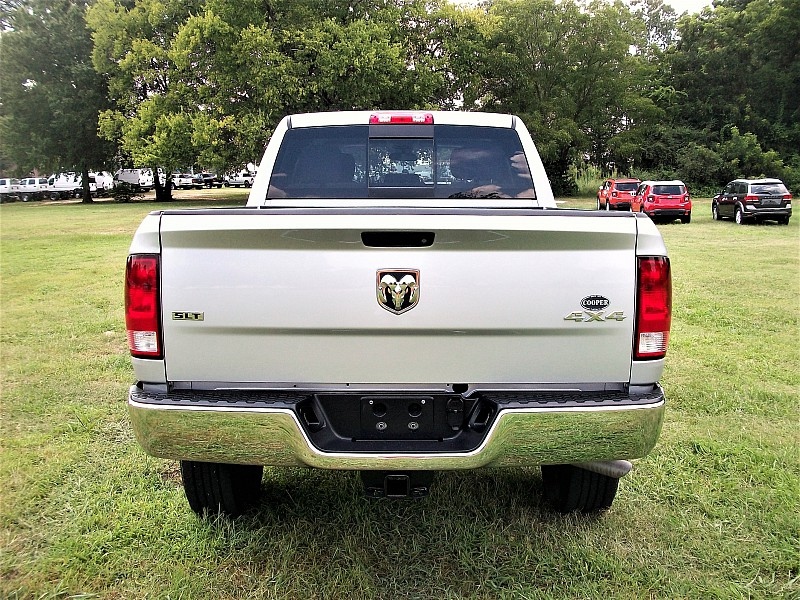 2017 Ram 2500 Crew Cab 4x4, Pickup #568088 - photo 9