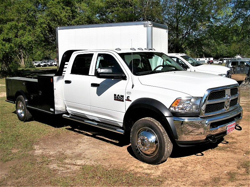 2017 Ram 5500 Crew Cab DRW 4x4, Hauler Body #572295 - photo 16