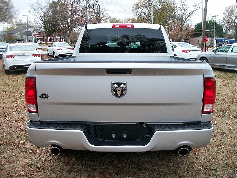 2017 Ram 1500 Quad Cab, Pickup #574291 - photo 8