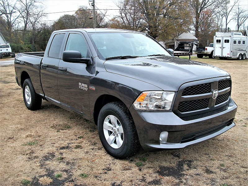 2017 Ram 1500 Quad Cab, Pickup #574292 - photo 15