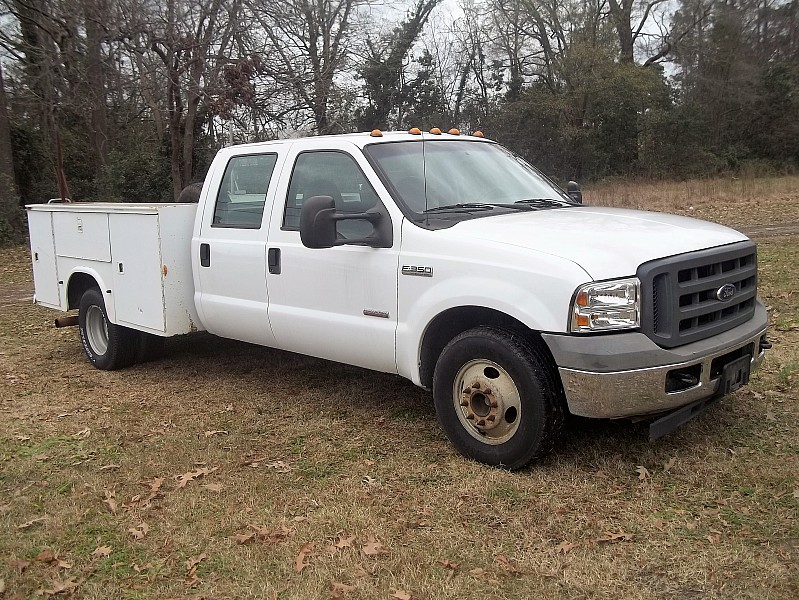 2005 F-350 Crew Cab DRW, Service Body #58011 - photo 19