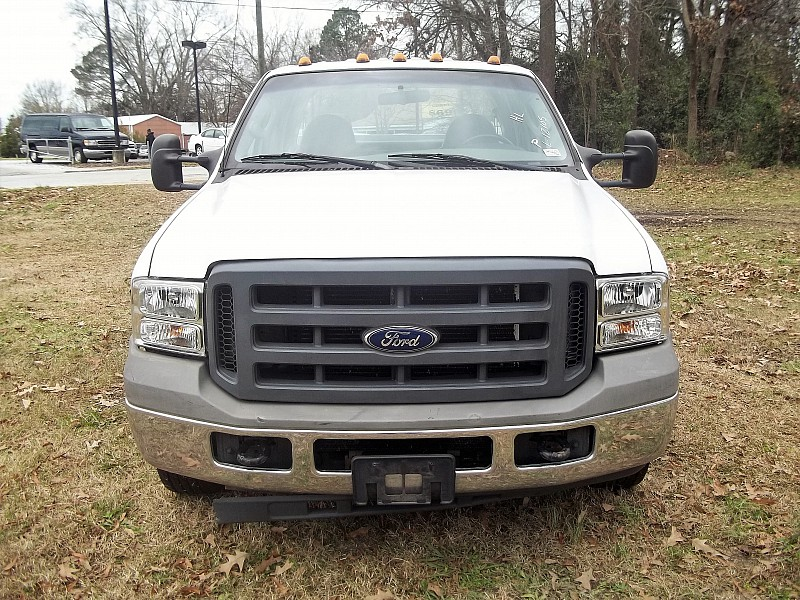 2005 F-350 Crew Cab DRW, Service Body #58011 - photo 32