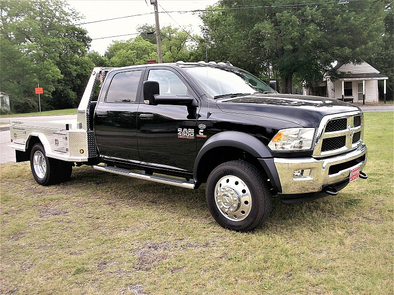 2017 Ram 4500 Crew Cab DRW 4x4, Hauler Body #580438 - photo 32