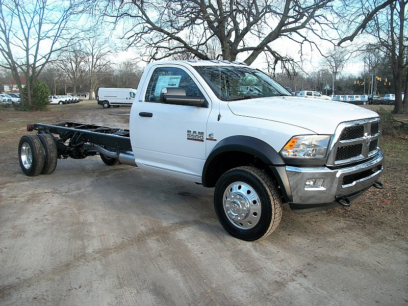 2017 Ram 5500 Regular Cab DRW 4x2,  Cab Chassis #604409 - photo 8