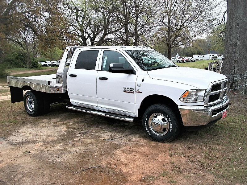 2017 Ram 3500 Crew Cab DRW 4x4, Platform Body #611656 - photo 17