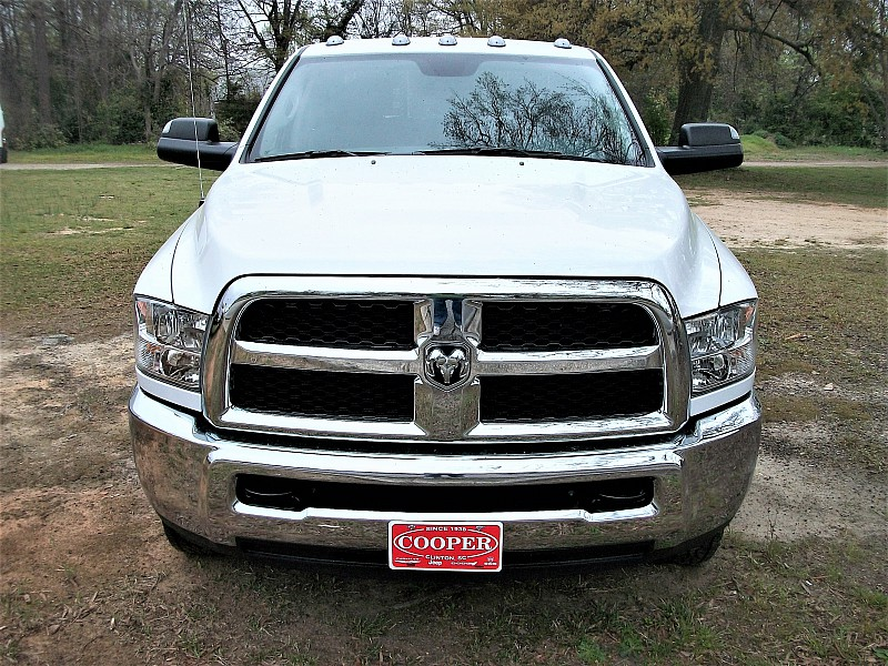 2017 Ram 3500 Crew Cab DRW 4x4, Platform Body #611656 - photo 30