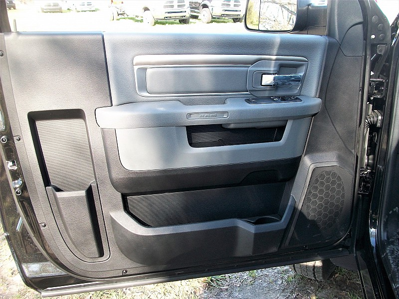 2017 Ram 5500 Regular Cab DRW 4x4, Cab Chassis #621982 - photo 11