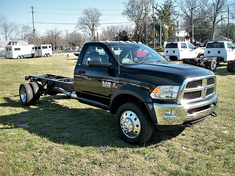 2017 Ram 5500 Regular Cab DRW 4x4, Cab Chassis #621982 - photo 9