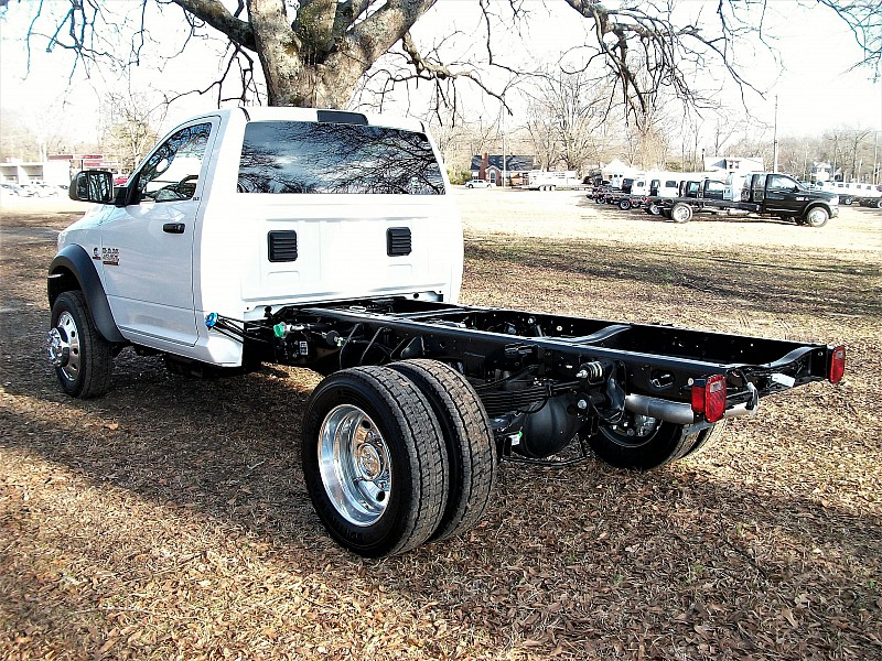 2017 Ram 4500 Regular Cab DRW, Cab Chassis #622122 - photo 2