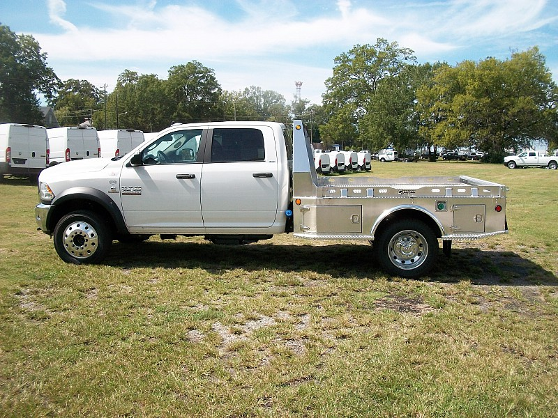 2017 Ram 4500 Crew Cab DRW 4x4 Hauler Body #622181 - photo 31