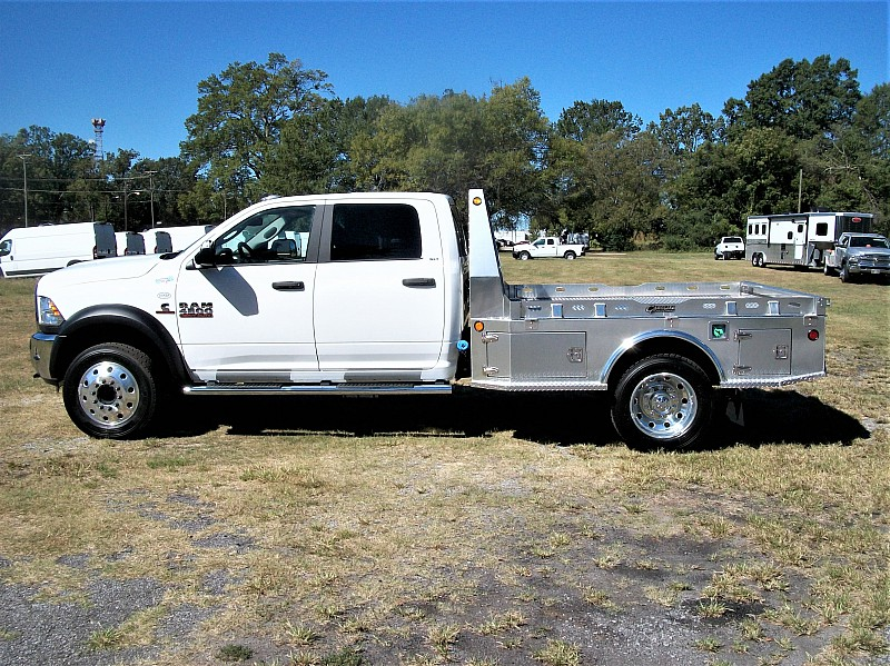 2017 Ram 4500 Crew Cab DRW 4x4 Hauler Body #622181 - photo 35