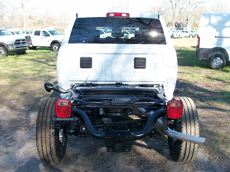 2017 Ram 2500 Crew Cab 4x4, Cab Chassis #632652 - photo 9