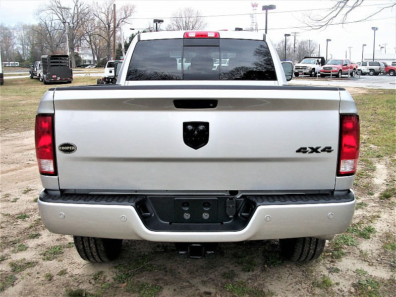 2017 Ram 2500 Mega Cab 4x4, Pickup #639102 - photo 9