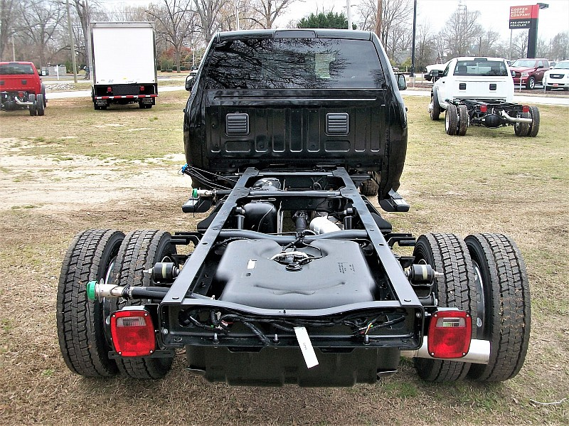 2017 Ram 5500 Crew Cab DRW, Cab Chassis #640153 - photo 10