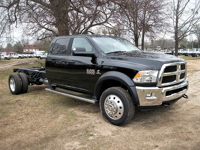 2017 Ram 5500 Crew Cab DRW, Cab Chassis #640153 - photo 18