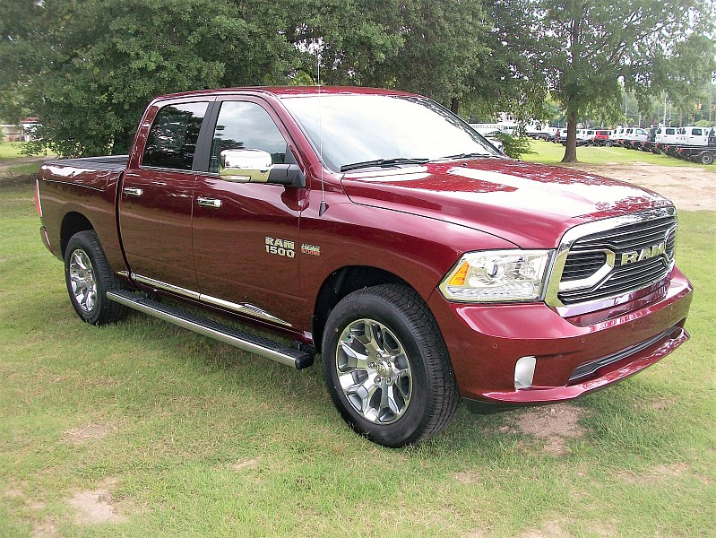 2017 Ram 1500 Crew Cab 4x4, Pickup #643635 - photo 26