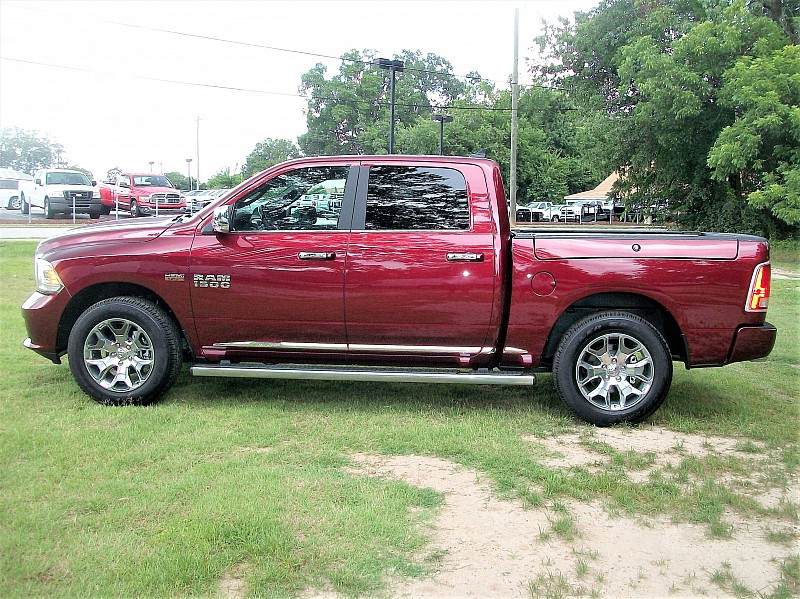 2017 Ram 1500 Crew Cab 4x4, Pickup #643635 - photo 27