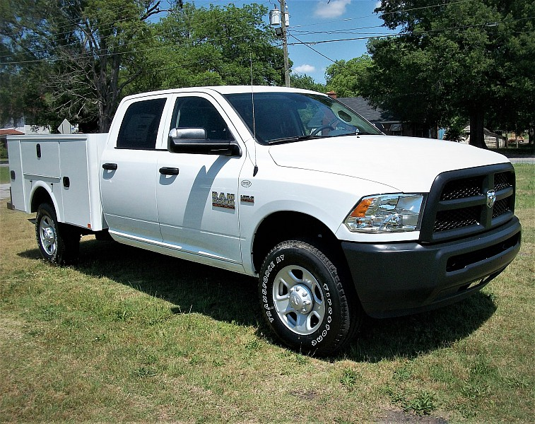 2017 Ram 2500 Crew Cab 4x4, Service Body #653390 - photo 23