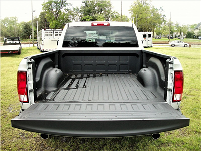 2017 Ram 1500 Quad Cab 4x4, Pickup #665807 - photo 9