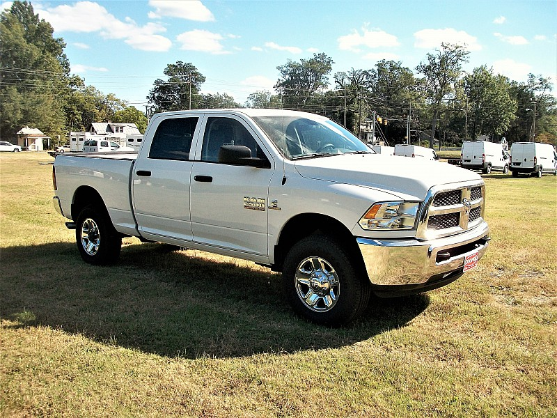 2017 Ram 2500 Crew Cab 4x4, Pickup #693052 - photo 18