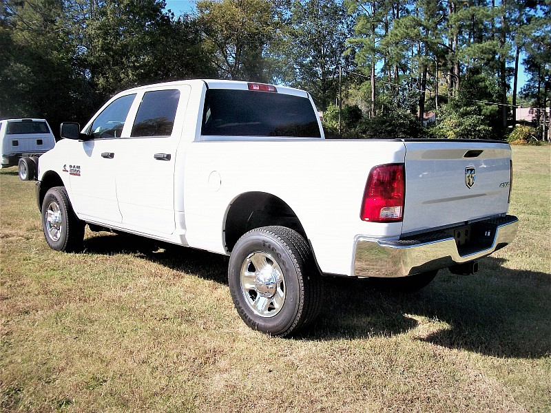 2017 Ram 2500 Crew Cab 4x4, Pickup #693052 - photo 2