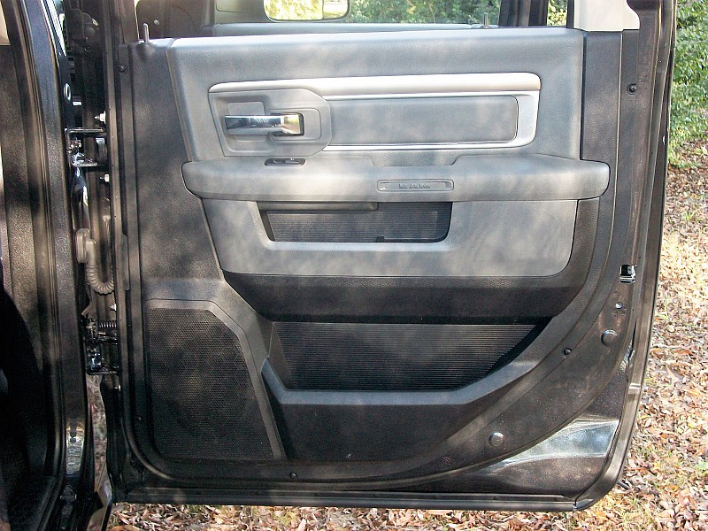2015 Ram 1500 Crew Cab 4x4,  Pickup #709839 - photo 17