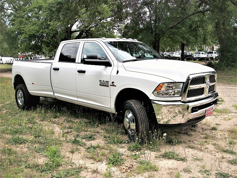2017 Ram 3500 Crew Cab DRW 4x4, Pickup #719175 - photo 19