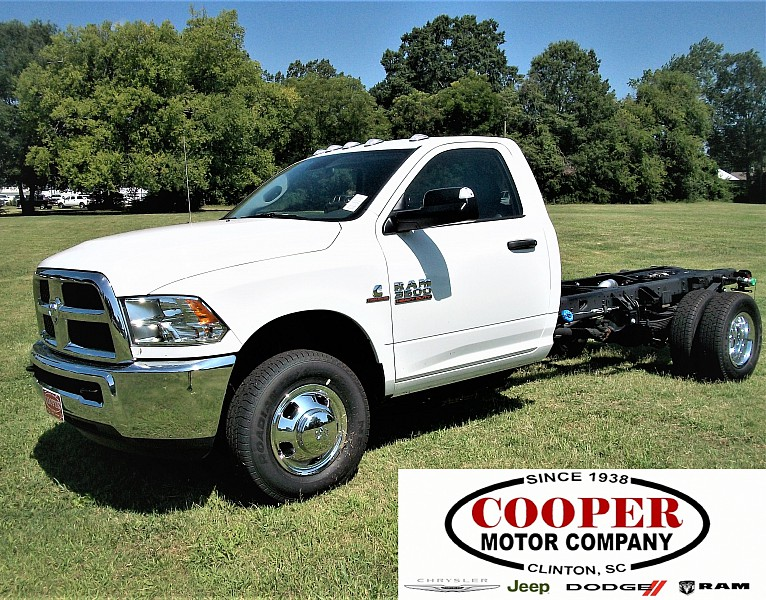 2017 Ram 3500 Regular Cab DRW Cab Chassis #719550 - photo 1