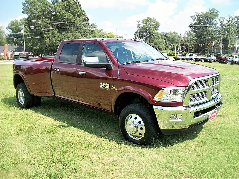 2017 Ram 3500 Crew Cab DRW 4x4, Pickup #729957 - photo 20