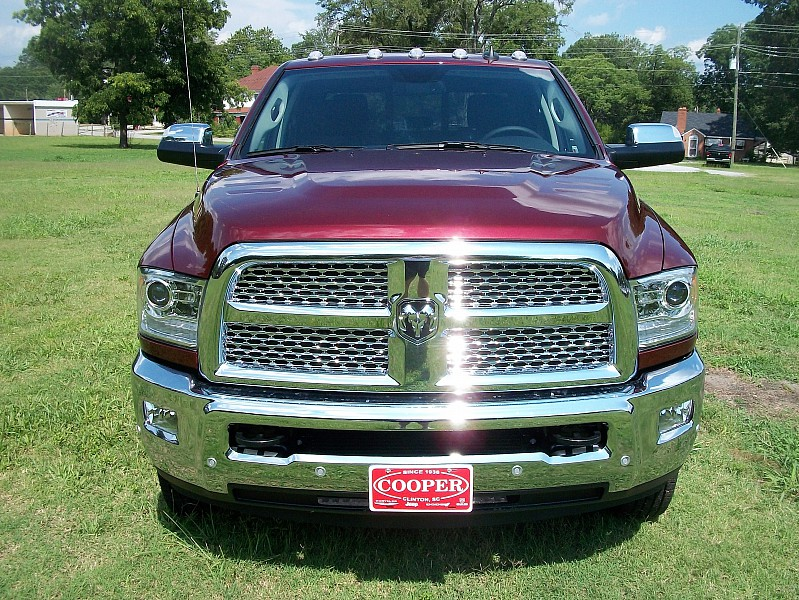 2017 Ram 3500 Crew Cab DRW 4x4, Pickup #729957 - photo 42