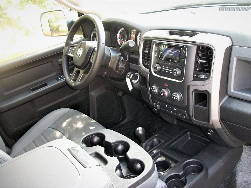 2017 Ram 4500 Crew Cab DRW 4x4, Hauler Body #768643 - photo 16