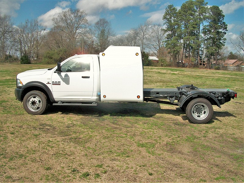 2017 Ram 5500 Regular Cab DRW, Cab Chassis #773512 - photo 18