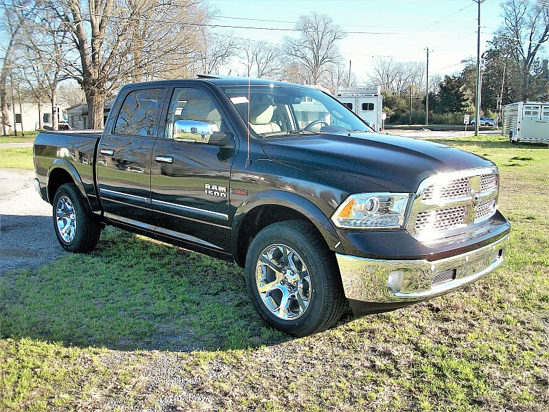 2017 Ram 1500 Crew Cab 4x4, Pickup #874314 - photo 22