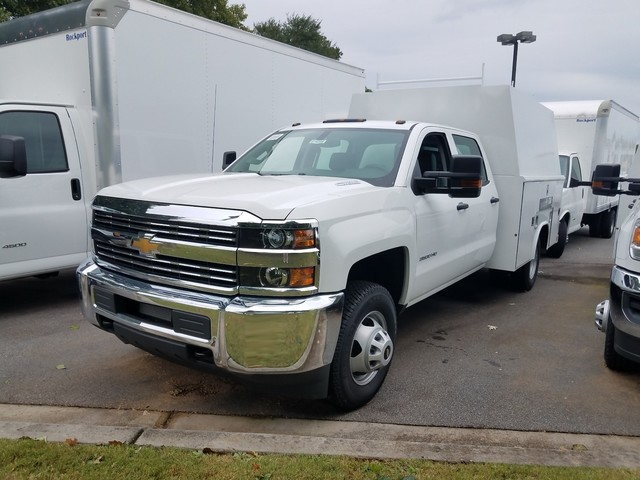2016 Silverado 3500 Crew Cab 4x4, Reading Service Utility Van #1170262 - photo 4
