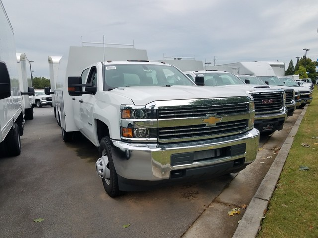 2016 Silverado 3500 Crew Cab 4x4, Reading Service Utility Van #1170262 - photo 3