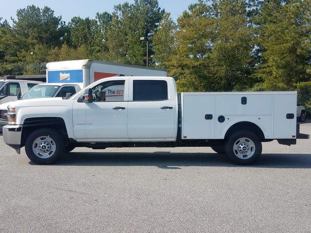 2017 Silverado 2500 Crew Cab, Service Body #1170619 - photo 2