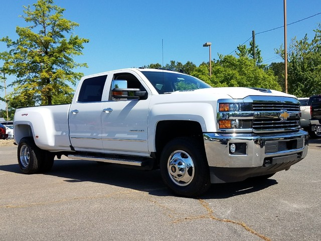 2017 Silverado 3500 Crew Cab 4x4, Pickup #1170911 - photo 10