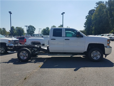 2017 Silverado 2500 Double Cab 4x4, Cab Chassis #1171438 - photo 2