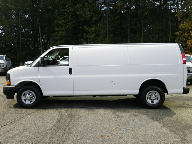 2017 Express 2500 Cargo Van #1171533 - photo 4