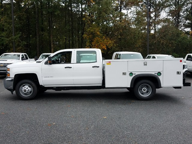 2018 Silverado 3500 Crew Cab DRW 4x4 Service Body #1180113 - photo 3