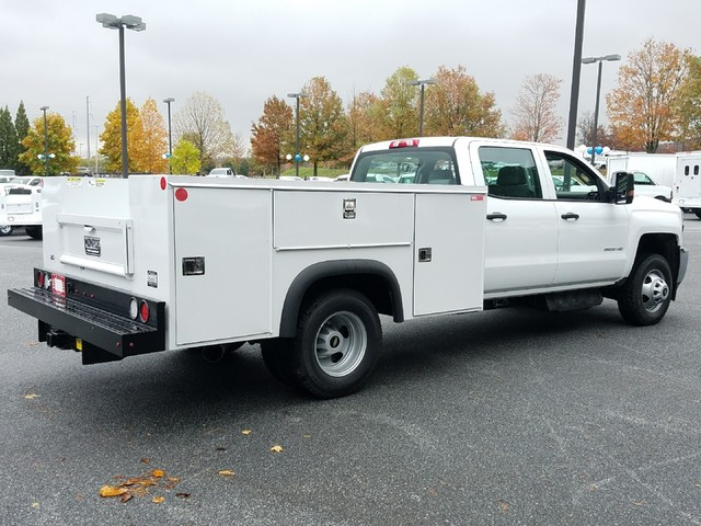 2018 Silverado 3500 Crew Cab DRW 4x4 Service Body #1180113 - photo 2