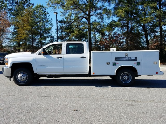 2018 Silverado 3500 Crew Cab DRW, Reading Service Body #1180153 - photo 3