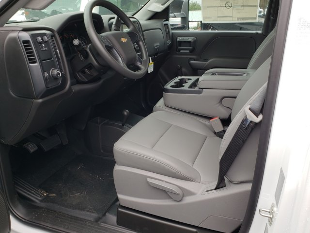 2018 Silverado 3500 Regular Cab DRW 4x4,  Reading Platform Body #1180377 - photo 5