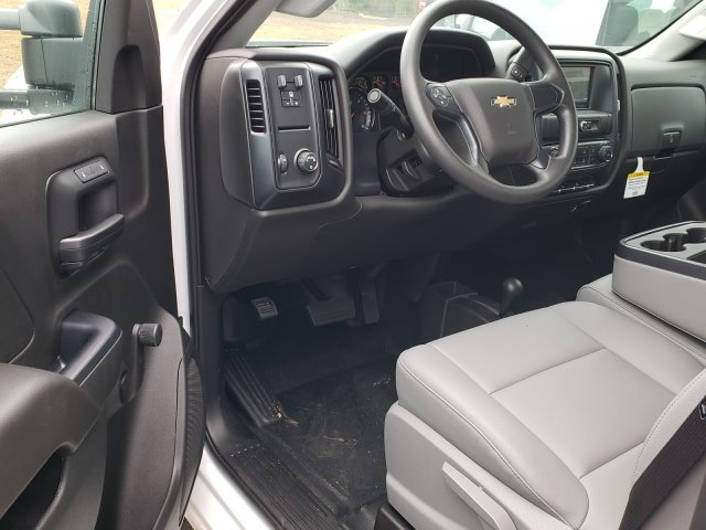 2018 Silverado 3500 Regular Cab DRW 4x4,  Reading Platform Body #1180377 - photo 6