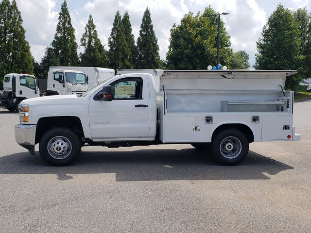 2017 Silverado 3500 Regular Cab DRW 4x4,  Reading Service Body #1180507 - photo 3
