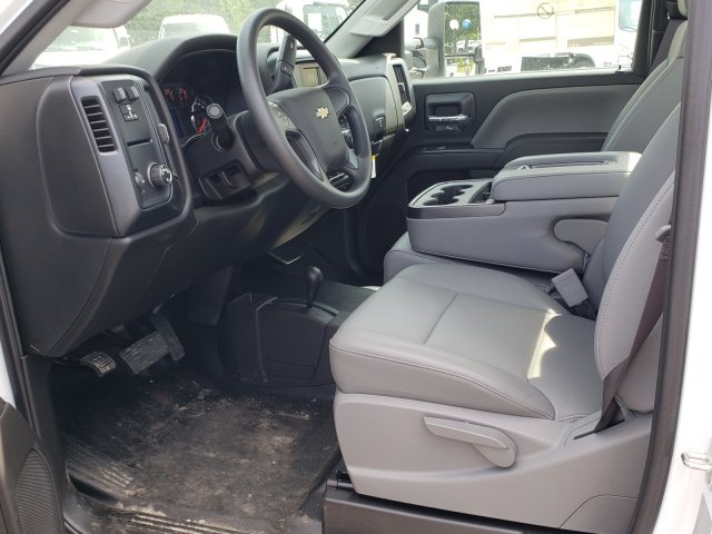 2017 Silverado 3500 Regular Cab DRW 4x4,  Reading Classic II Steel Service Body #1180507 - photo 4
